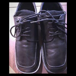 Boys size 6 Kennith Cole dress shoes black
